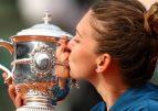 Simona Halep a plecat spre Paris, pentru Roland Garros 2019: Îmi doresc din tot sufletul un nou titlu