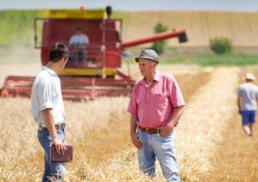 Peste o sută de fermieri ieşeni au fost şcoliţi asupra efectelor schimbărilor climatice
