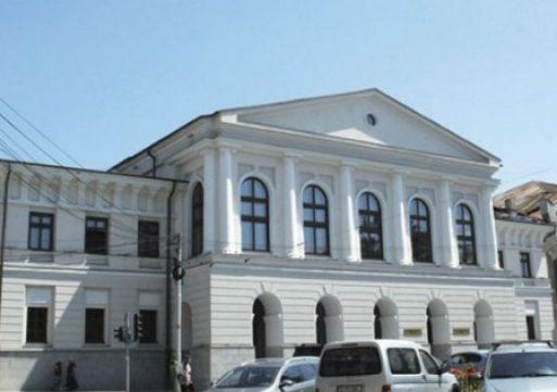 Ambii candidați la șefia Universității de Arte Iași vor mai multă cercetare în instituție