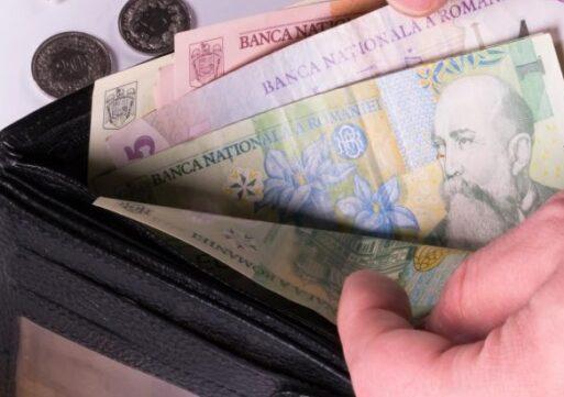 Salariul mediu net a atins 3.298 de lei în iunie.