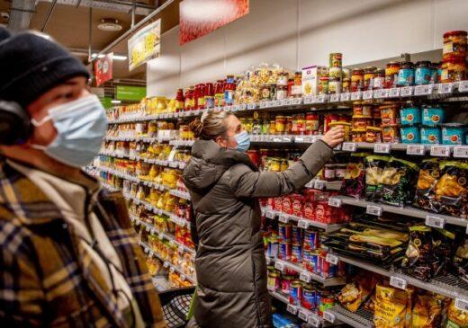 Rata anuală a inflaţiei a coborât la 3,1% în luna martie. Cu cât s-au scumpit alimentele