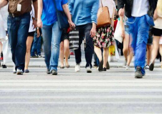 Studiu: Aproximativ 80% dintre români cred că lucrurile în România se îndreaptă într-o direcție greșită